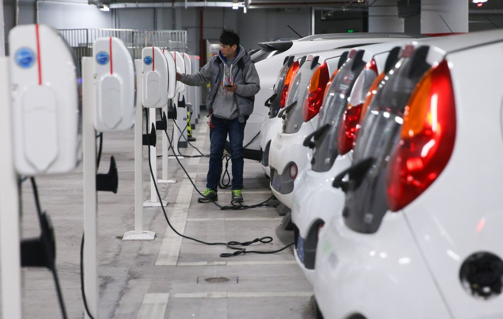 The Fuse Global Automakers Face New Challenges With China S Electric Vehicle Mandate