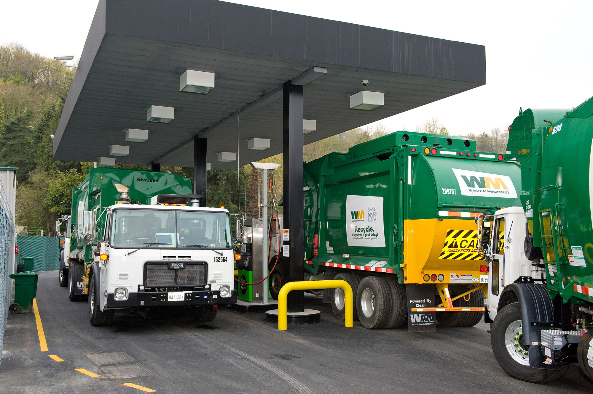 Natural Gas Garbage Trucks